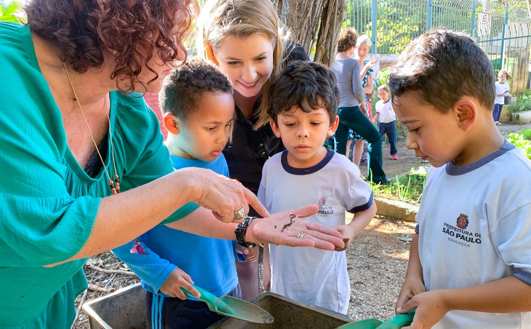 Empowering preschool teachers to reflect, talk about science